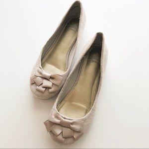 Fergalicious Shoes - Fergalicious Adele Slip On Flat w/Bows • Size 6
